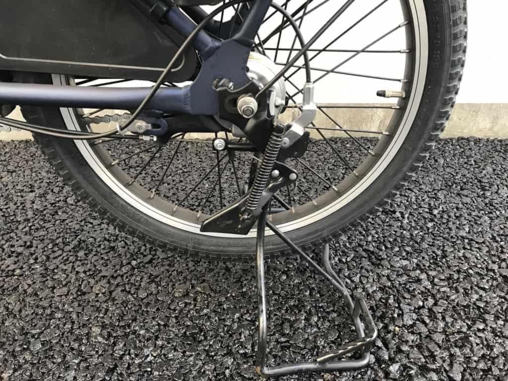 パナソニック電動自転車ギュットアニーズDXスタンドも安定してます。