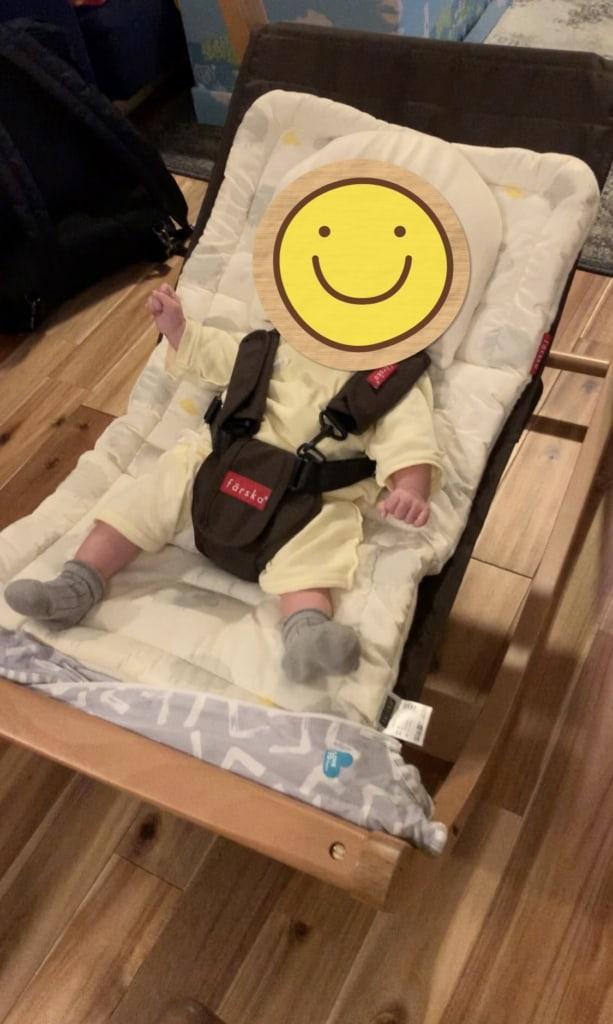 FARSKA(ファルスカ)のスクロールチェア赤ちゃんが使ってる